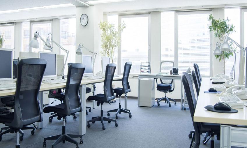 Achat de bureaux pour open space : profiter d'une large gamme en ligne